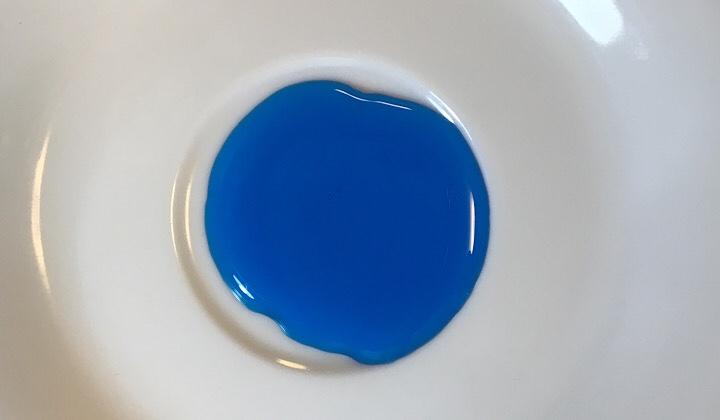 モナンブルーキュラソーの液色画像